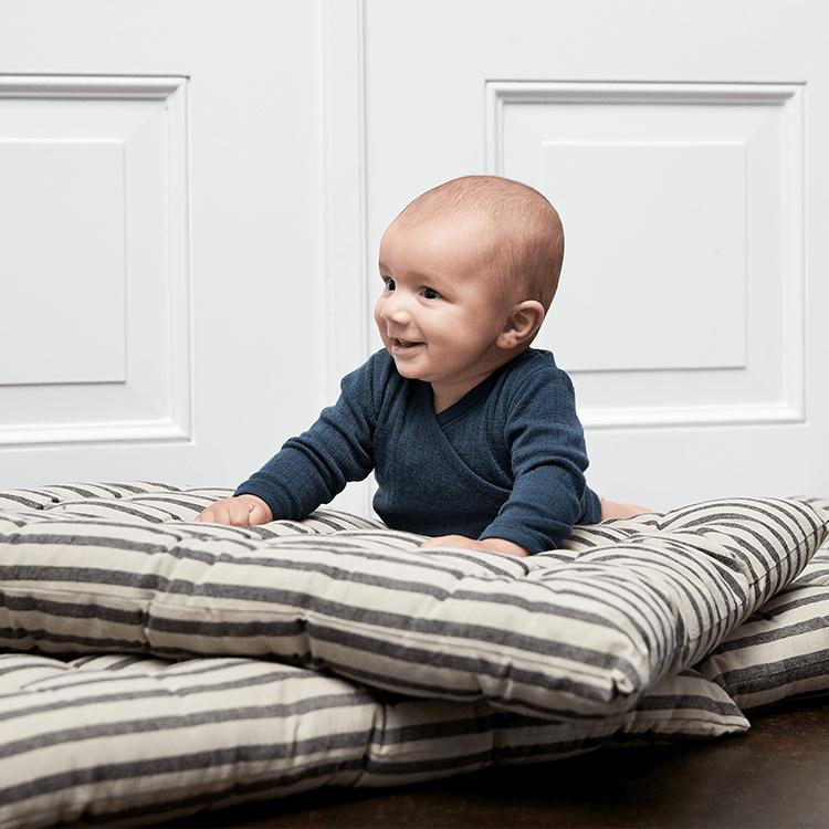 Tre goda skäl att klä små barn i ull