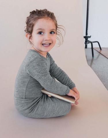 Ribbstickad ullbody för baby gråmelerad