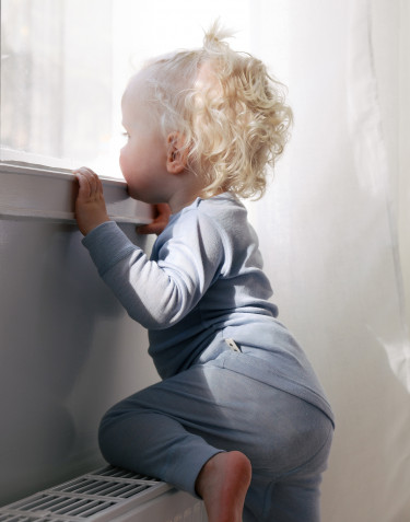Långärmad topp i merinoull/siden för baby