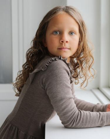 Klänning i merinoull med volanger för barn