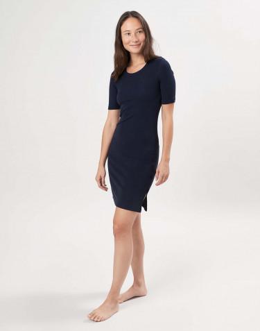 Kortärmad klänning i merinoull för dam