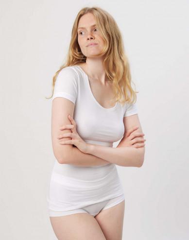 Dam-t-shirt i skön tunn och mjuk bomull/elastankvalitet vit