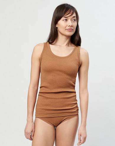 Ribbat linne i ull karamell